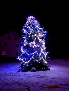 Mikulášská nadílka a rozsvícení Vánočního stromu v Rudníku 28.11.